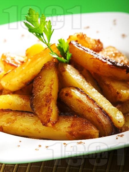 Карамелизирани (сладки) картофи соте с краве масло, кафява захар и портокалова кора - снимка на рецептата